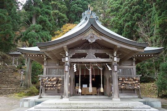 真山神社1.jpg